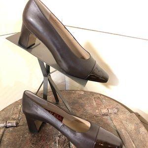 Vanelli 8-1/2 C Brown Spectator Heel Patent Lea